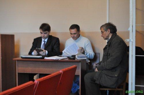 (2013.12.20) Евгений Витишко и его защитники Александр Попков и Валерий Хачатурян на заседании суда