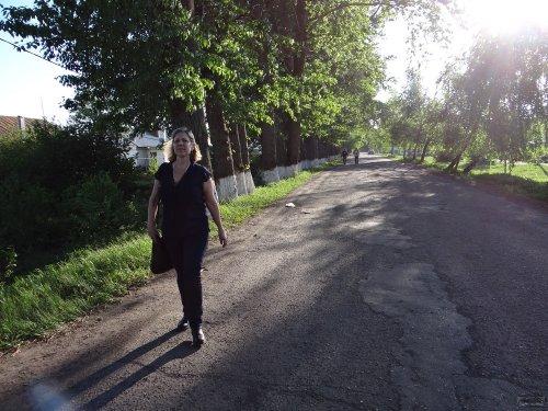 Кейт Уоттерс идет из колонии после отказа ей в свидании с Евгением Витишко