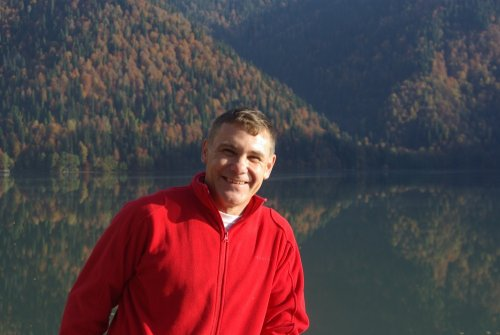 (2011-11-10) Евгений Витишко на озере Рица